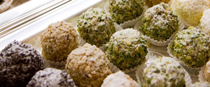 Bignè Dolci con Crema e con Cioccolata Pistacchio, Nocciola e Zabaione